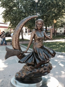 Bewitched Samantha Statue